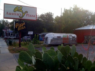 Austin_photo: places_food_austinspizza_lamar_sign