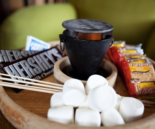 Tableside s'mores at Halcyon coffee bar and lounge