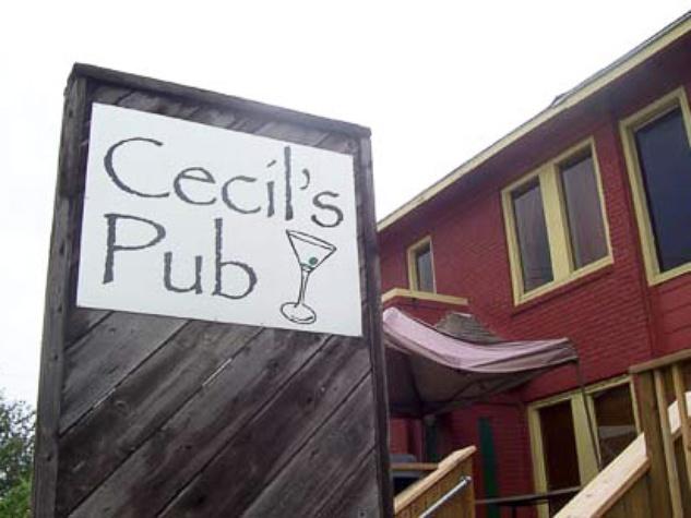 News_Caroline_best Patios_Cecilu0027s Pub