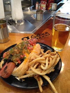 Urban Crave Bar and Grill, hot dog, french fries, airport restaurant, IAH