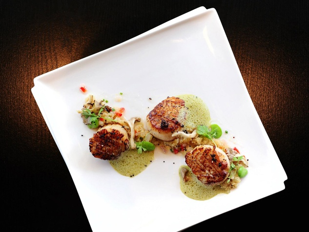 Alma, restaurant, scallops, David Guerrero