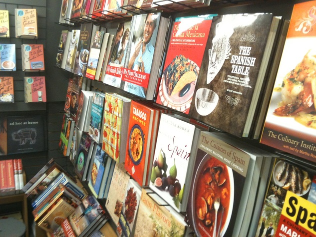 Buffalo Hardware Houston closing February 2014 cookbooks