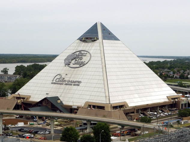 Bass Pro pyramid in Memphis