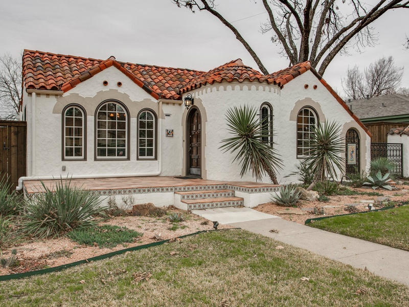 Slideshow Spanish Colonial In Trendy East Dallas