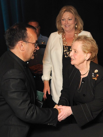 115 Holocaust Museum Moral Courage Award May 2013 Patrick Desbois greets Madeleine Albright, as retiring Museum Executive Director Susan Myers looks on