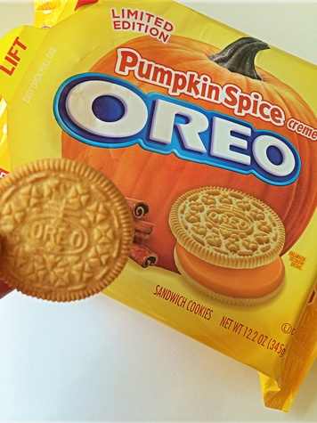 Pumpkin Spice Oreos October 2014 cookies