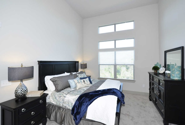 Houston, Vargos on the Lake, May 2015, townhome bedroom