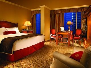 Fairmont Dallas guest room