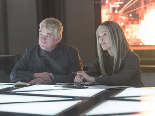 Philip Seymour Hoffman and Julianne Moore in The Hunger Games: Mockingay - Part 1