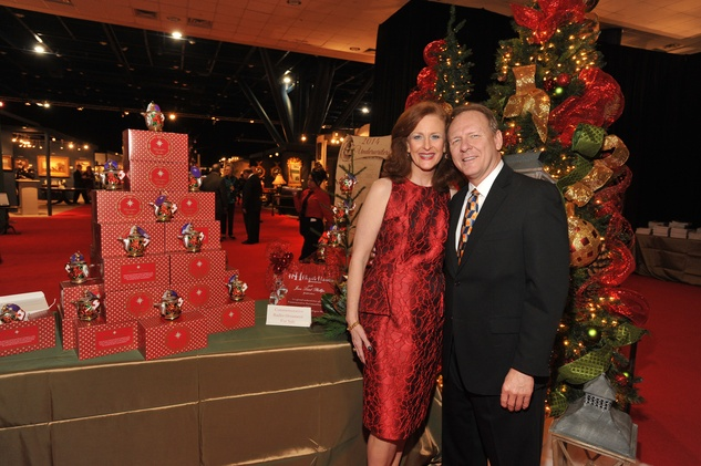 1 9363 Jana Philips and Woody Wooruff at the Theta Charity Antiques Show Preview Party November 2014