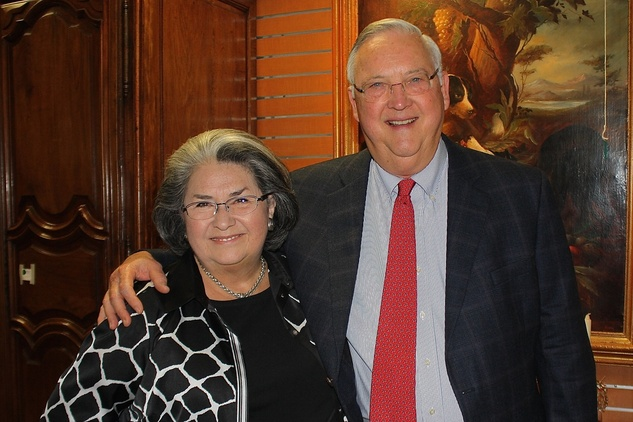 News, Shelby, Blue Bird Circle endowed chair, October 2014, Lelani Sinclair, Tom Sinclair