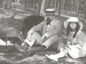 News_Debussy_his daughter_picnic