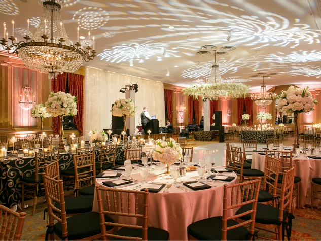 The Fort Worth Club Can Host A Wedding That Ranges From 50 1200 Guests Photo By Tracy Autem Photography