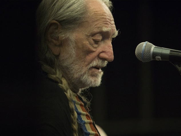 Willie Nelson headlining Outlaw Music Festival at Verizon Arena