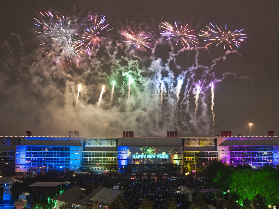 News_026_New Year's Eve Live_December 2011_Fireworks_George R. Brown Convention Center.jpg