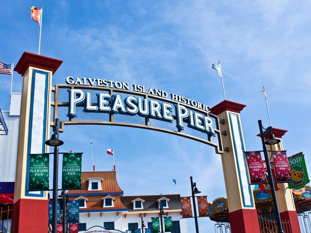 Galveston Island Historic Pleasure Pier entrance