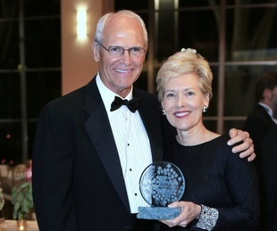 Tom and Suzy Rhodes, Flora Award