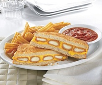 News_Denny's_fried cheese melt