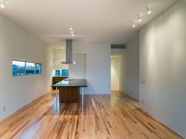 4 On the Market 3000 Hawkins St. December 2014 view towards kitchen