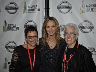 News_Beverly Kopf,_Chely Wright_Bobbie Birleffi_Nov 2011