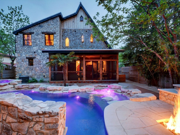 1612 Bauerle Ave Austin house backyard pool fire feature