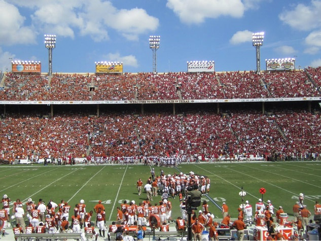 Red River Rivalry Texas UT vs OU at Cotton Bowl
