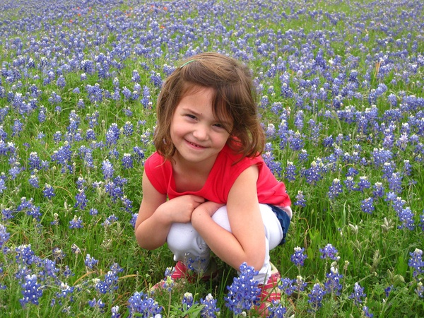 News_Ruthie_Brenham and Bluebonnets_Bluebonnet Frances