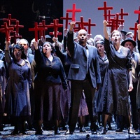 News_Houston Grand Opera_Don Carlos_April 2012_Chorus