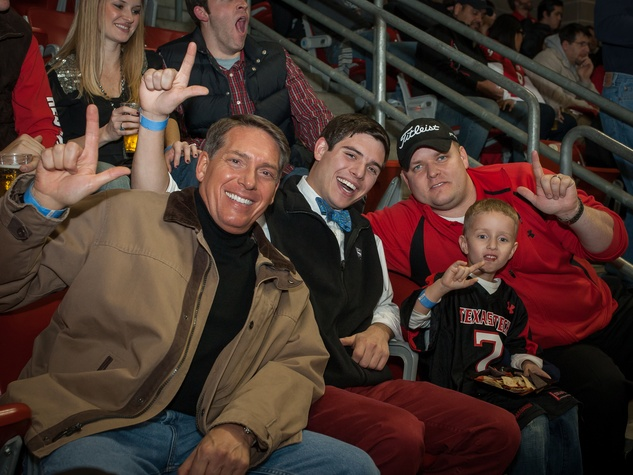Texas Tech fans get rowdy in a Houston bowl raid, stand up