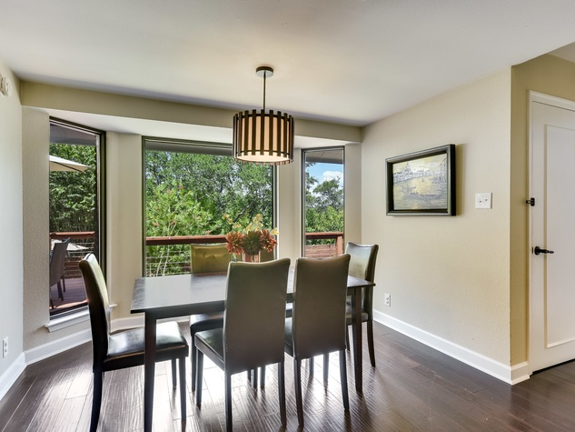 3914 Glengarry Dr Austin house for sale dining nook
