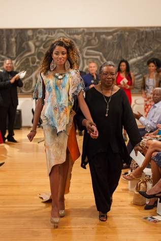 237 model E'Lexus Thomson, left, and designer Linda Morgan Sodders at For the Sake of Art June 2014