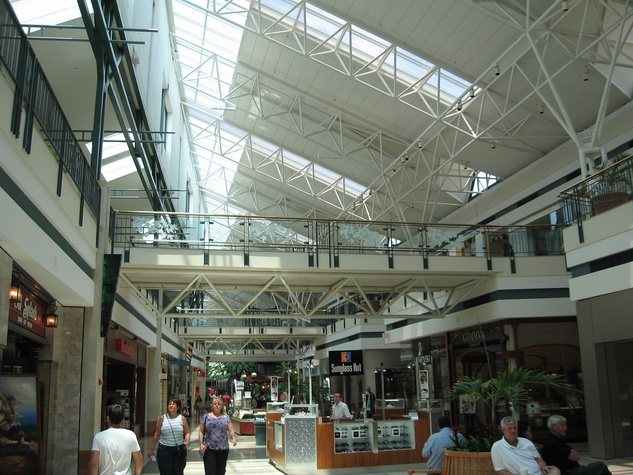 The Woodlands Mall, shopping