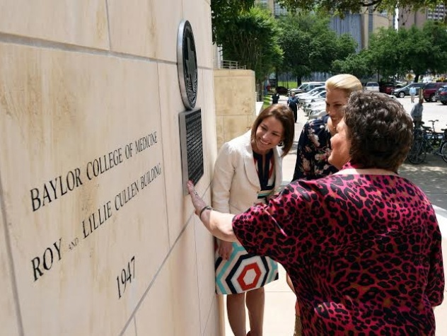 Cullen Geiselman, Christine Morenz and Barbara Robertson at Baylor College of Medicine Texas Historical Commission unveiling