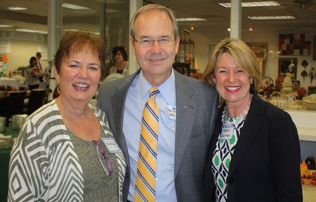 News, Shelby, Blue Bird Circle endowed chair, October 2014, Gwen Wilkinson, Dr.Charles Gay, Karen Wilkinson