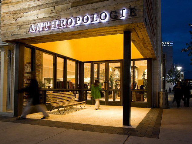News_Dillon_Anthropologie_exterior