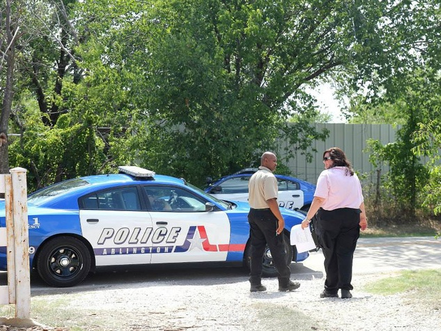 Police raid Garden of Eden in Arlington