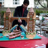 7 Annual AIA Gingerbread build-off December 2013 Grand prix de show - Kirksey London Tower Bridge