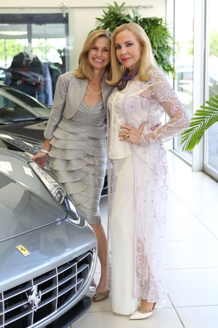 Fiona Cunningham, left, and Carolyn Farb at the Joints in Action at Ferrari of Houston June 2014