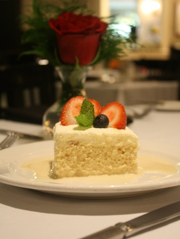 Ouisie's Table tres leeches cake August 2014