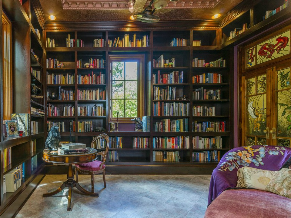 Austin Weird Home Tour_Johnson Chronister Manor_library_Elliot Johnson_Spring 2015