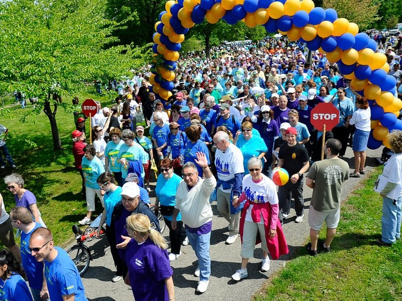 NAMIWalks mental health walk with walkers and balloons