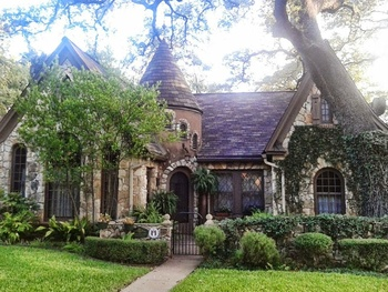 10 quintessential homes from Austin's most iconic neighborhoods