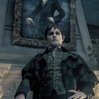 News_Dark Shadows_the movie_Johnny Depp_standing