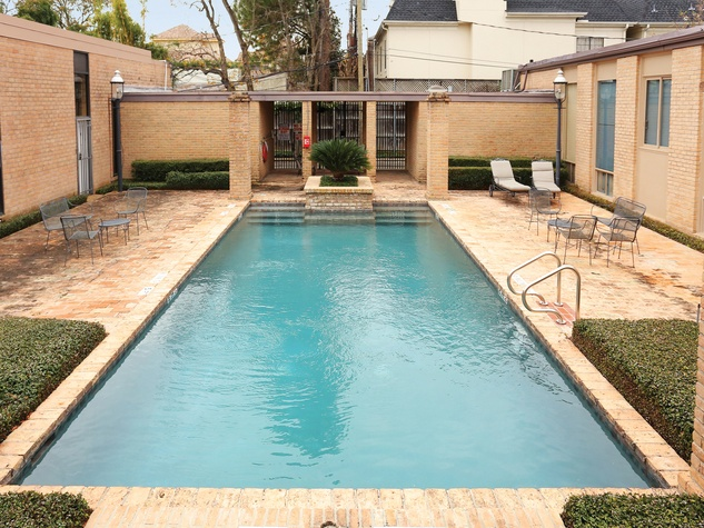 On the Market 5000 Longmont No. 8 January 2015 swimming pool