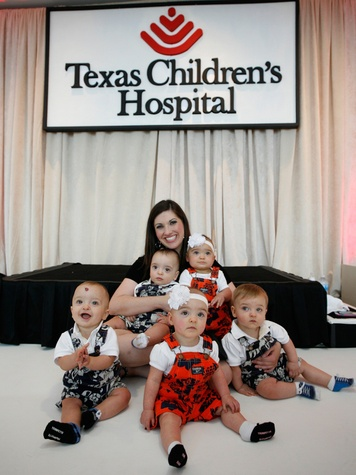 Bad Pants fashion show at Texas Children's August 2013 Quintuplets Sarah Plauche, of Lake Charles, LA, poses with her quintuplets Reece, Tessa, Owen, Miles  THIS.jpg