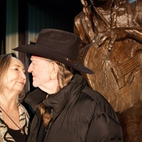 Austin Photo Set: News_Kevin_Willie Nelson Statue_Nov 2011_10