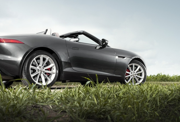 News_May13_JaguarFType