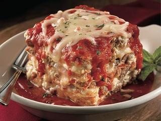 Maggiano's, Little Italy, lasagna