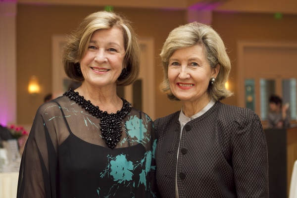 Gail Thomas, Kay Bailey Hutchison