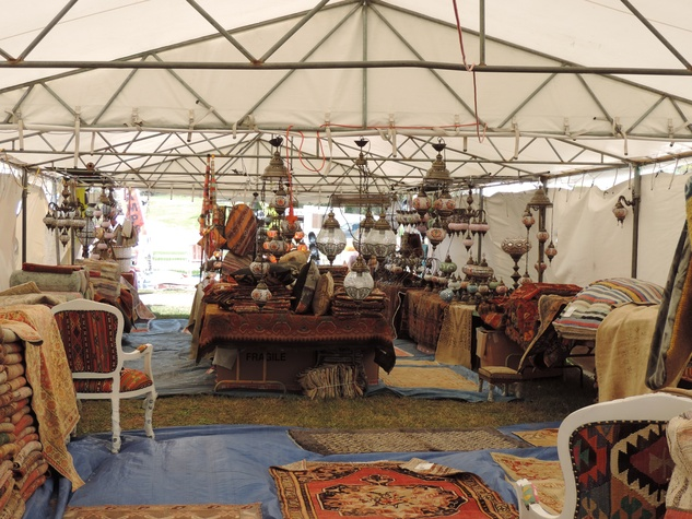 Tarra Gaines Antique Week beginner's guide March 2015 rugs and lamps